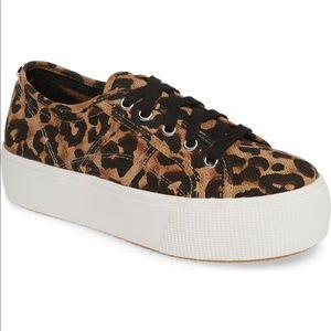 Steve Madden Leopard Platform shoes